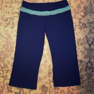 Lucy Cropped Yoga Pants